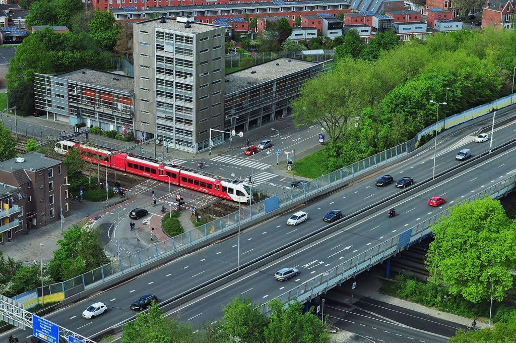 Smart transport - The robust future of tracks in smart cities